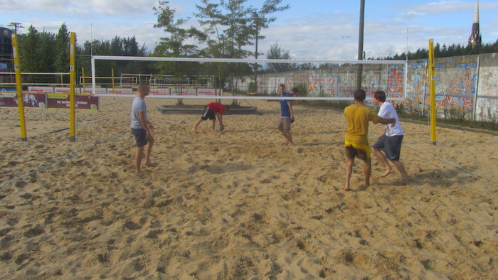 five great locations to play beachvolleyball in berlin berlin