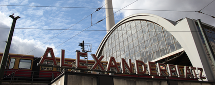 A large amount of the pigeons can be found on Alexanderplatz (© Berlin-Enjoy.com)