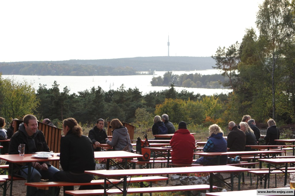 The biergarten at the water (the Havel) in Grünewald near the Teufelsberg