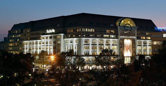 4 large department stores in berlin berlin. Black Bedroom Furniture Sets. Home Design Ideas