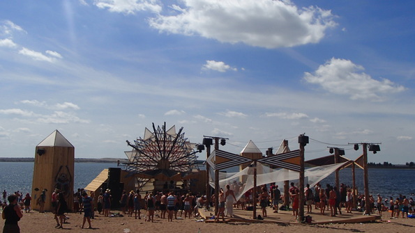 Party on the beach at Feel Festival
