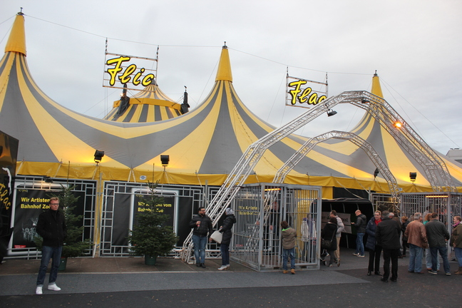 The entrance of the Flic Flac Circus in Berlin (© Berlin-enjoy.com