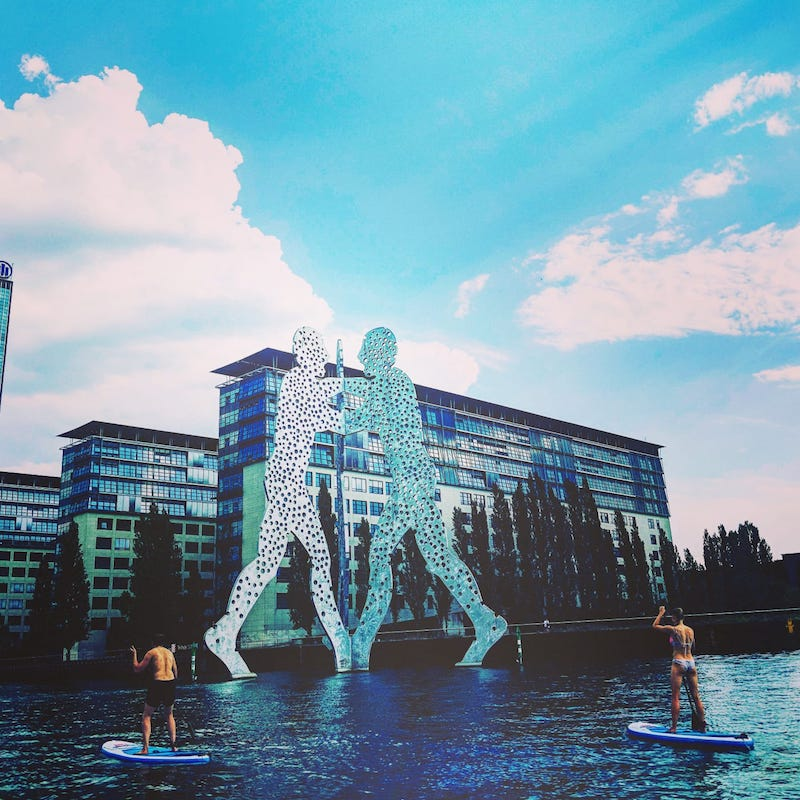 Stand up paddling Berlin Molecule Man