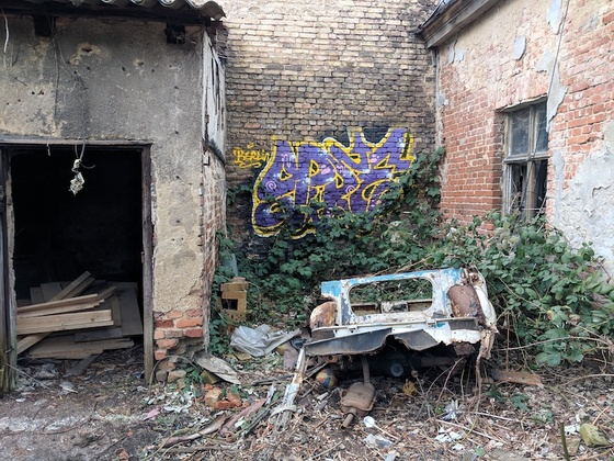 Abandoned garage in Pankow, Berlin