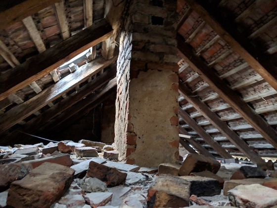 The attic of the abandoned House(© Berlin-enjoy.com)